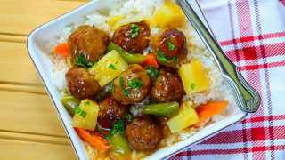 INSTANT POT SWEET AND SOUR PINEAPPLE MEATBALLS {Freezer Meal!}