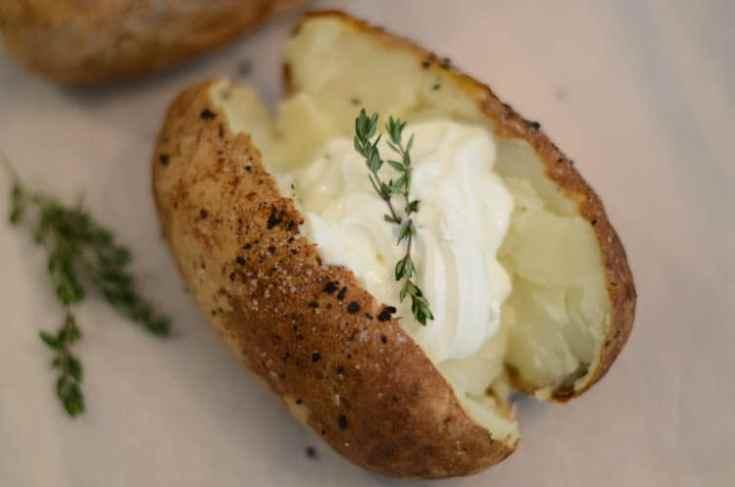 Instant Vortex Plus Air Fryer Baked Potatoes