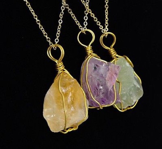 Green quartz pendant with activation for your heart chakra