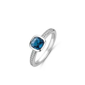 zilveren ring met blauwe steen en zirkonia's - Te koop bij Sparnaaij juweliers in Aalsmeer en Hoofddorp
