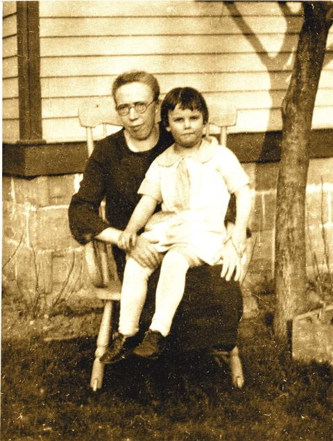 Mother & grandmother001_1_1