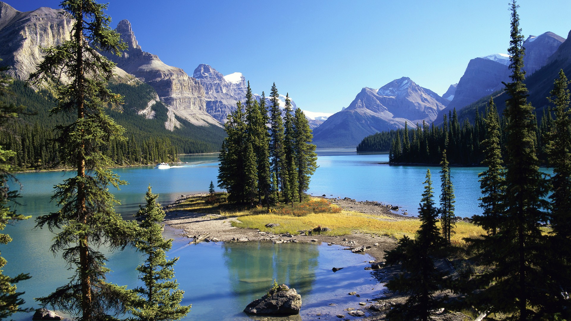 Maligne Lake, Jasper National Park, Spas of America