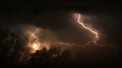 storm-1506469_640
