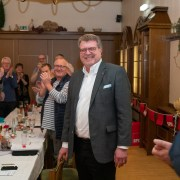 Frank Mielke erhält Applaus nach seiner Wahl