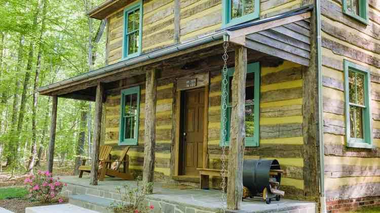 log cabin located in virginia