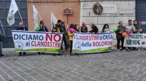 Migrandi, manifestazione Lega Nord Marche Ansa