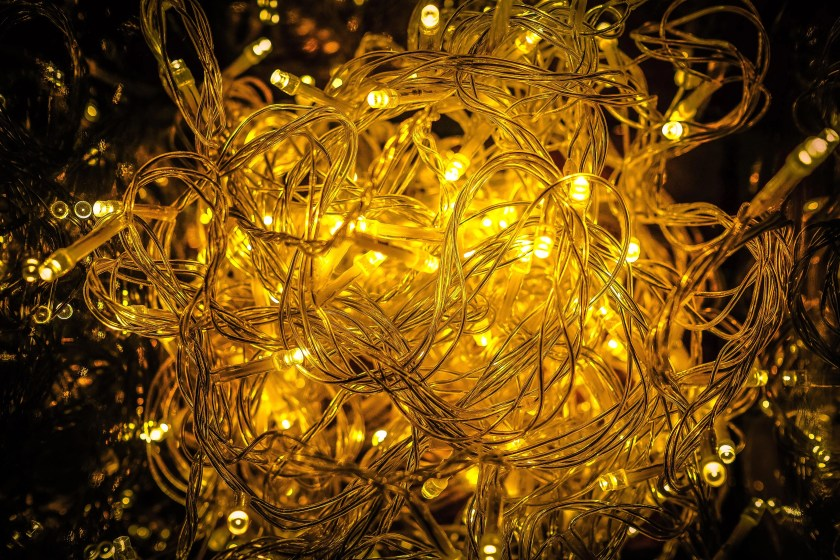 how to organise Christmas decorations - a mess of lights