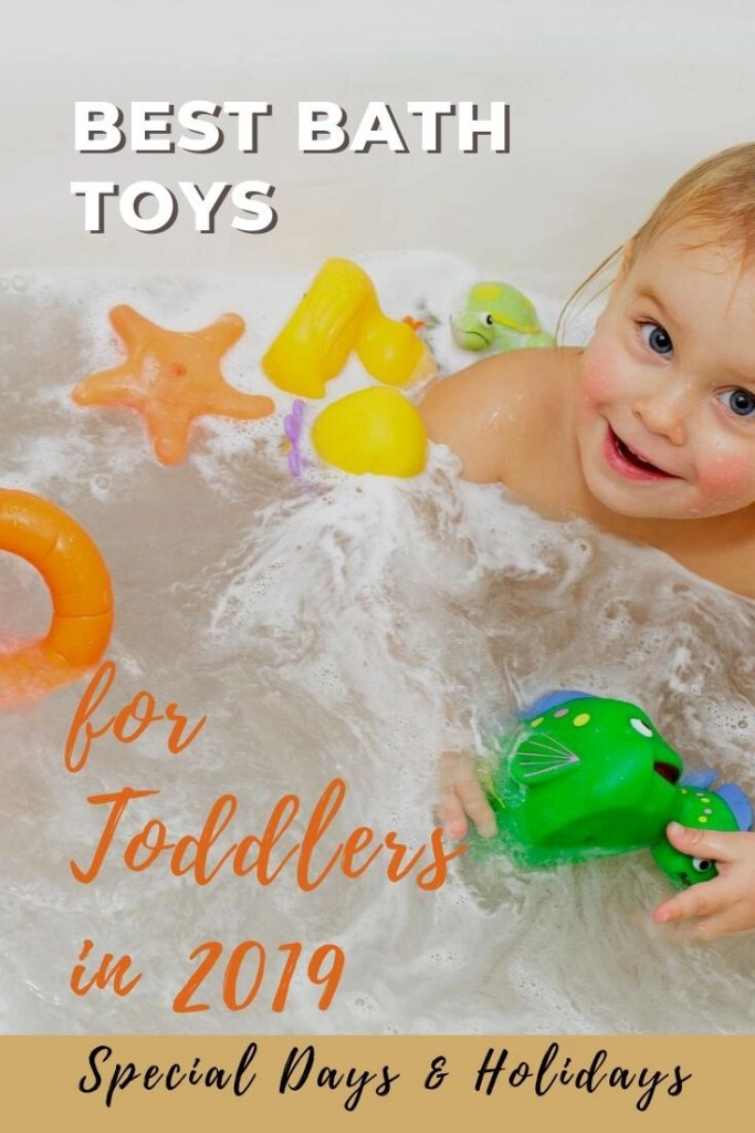 Best Bath Toys for Toddlers pin - toddler in bath with orange and green bath toys