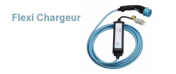 La Renault Zoé se raccorde directement sur une prise domestique via le cable Flexi Charger
