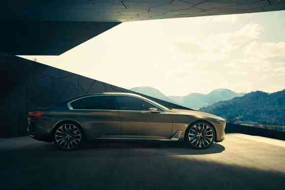 Cette BMW Vision Future Luxury joue sur sa longueur de capot et sur sa hauteur de toit