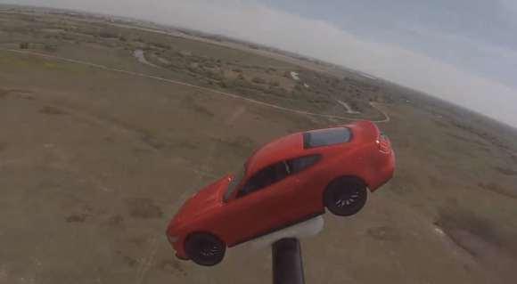 Cette Mustang réduite se la joue Gravity !