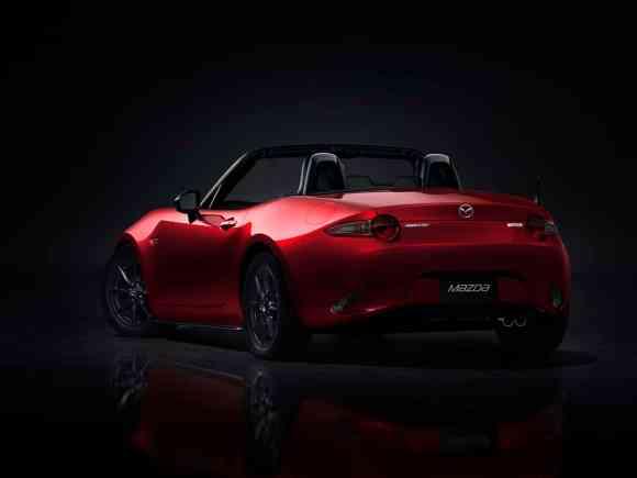 Les phares et feux changent de look sur cette nouvelle Mazda MX-5