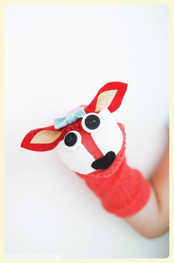 Fox sock puppet. Featured by Special Learning House. www.speciallearninghouse.com.