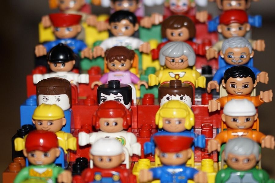 rows of lego people