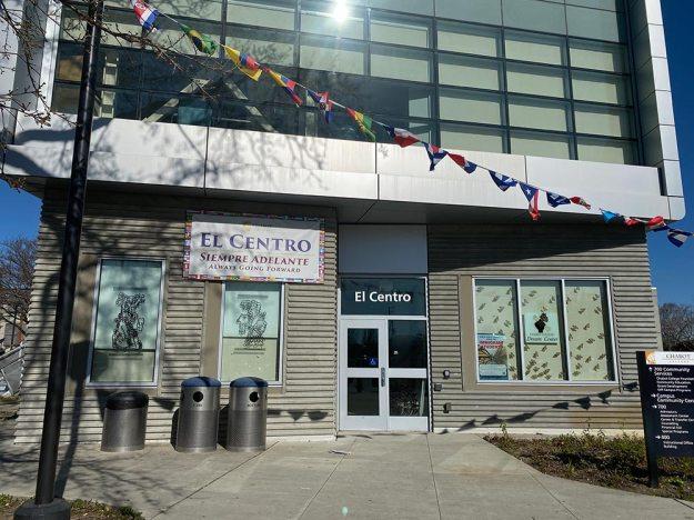 El Centro 700S Building