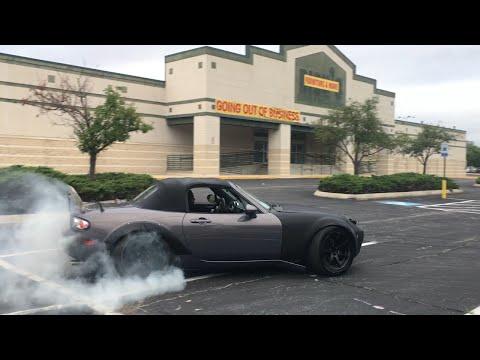 OMG so much tire smoke! Miata Drifting The streets