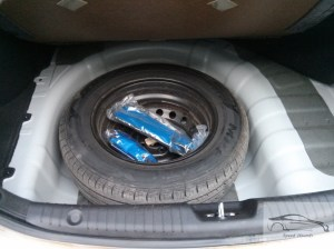 Hyundai Verna 1.4 CRDi spare wheel upside down