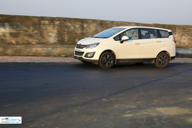 Mahindra MArazzo Review Speedhounds