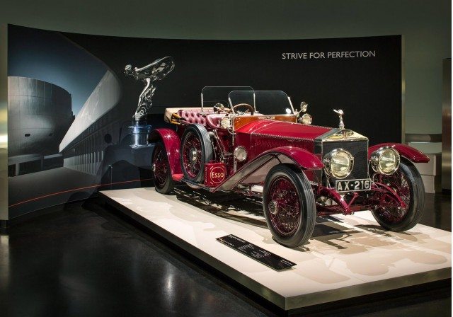 rolls-royce-exhibition-at-the-bmw-museum-in-munich-germany_100422257_m