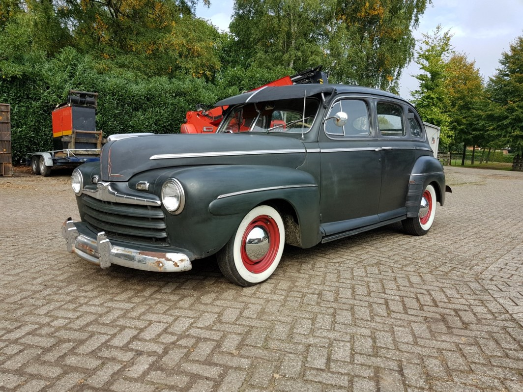 1946 Ford Sedan with 350ci V8