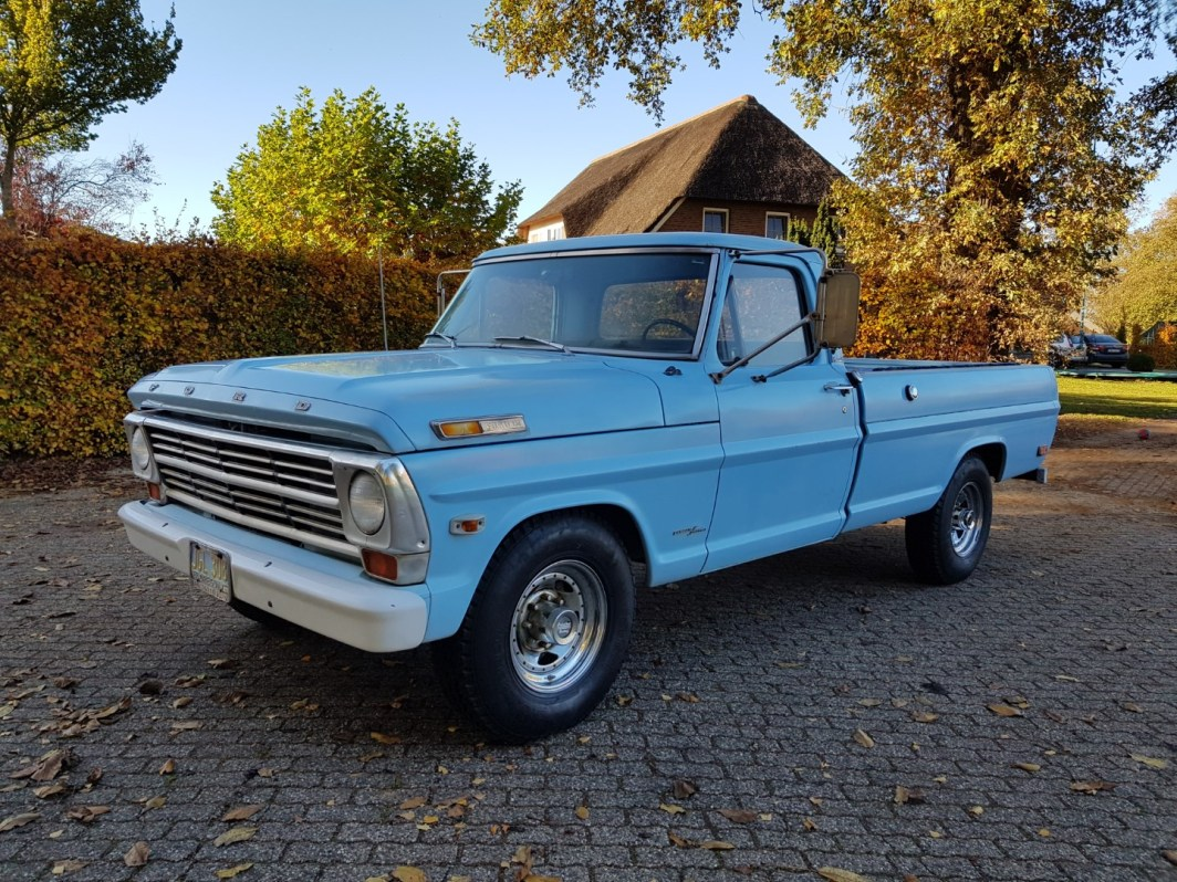 1968 Ford F250 Camper Special 360ci V8 Manual (1)