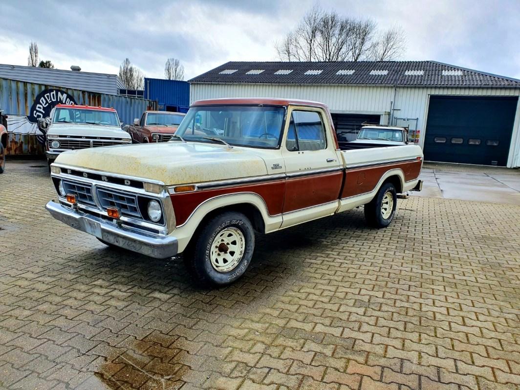 1977 Ford F150 Ranger 351M V8 (1)