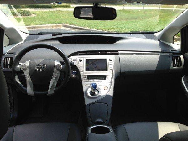 Prius9-600