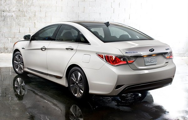 Captivating 2014 Hyundai Sonata Hybrid Limited