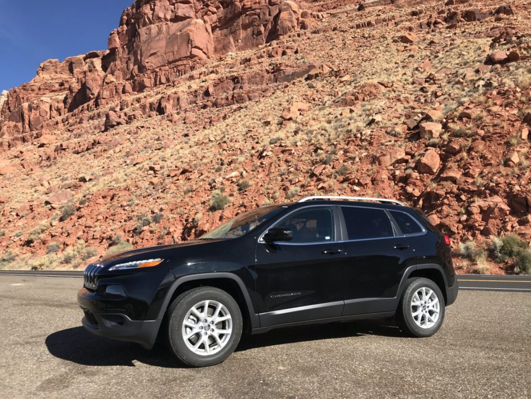 Cherokee For Less >> Rental Review Less Grand Cherokee Speed Sport Life