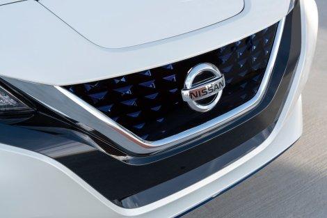 2019 Nissan LEAF-13-1200x800