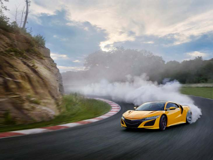 2020 NSX featuring Indy Yellow Pearl