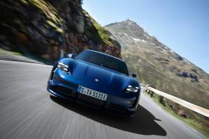 2020 Porsche Taycan Turbo and Turbo S