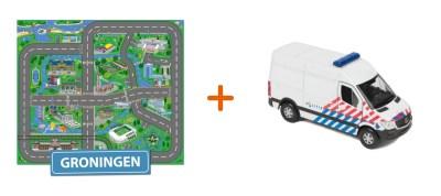 Combideal: het speelkleed van Groningen met een Politiebus
