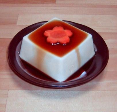 Tofu mit Sojasauce und Karotte