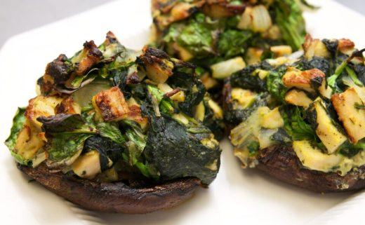 Portobello gefüllt mit Hähnchen und Spinat