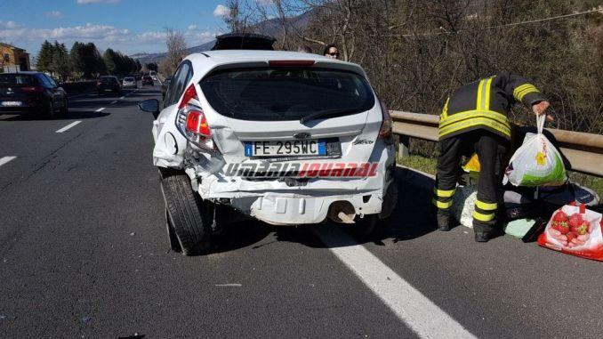 Una persona ferita nell'incidente sulla 75 Centrale Umbra, scontro tra due auto