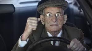 Gli anziani e la guida
