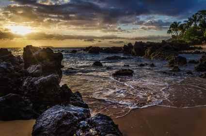 Maui, Hawaii, Wailea beach, rocks, water, sand, sunset