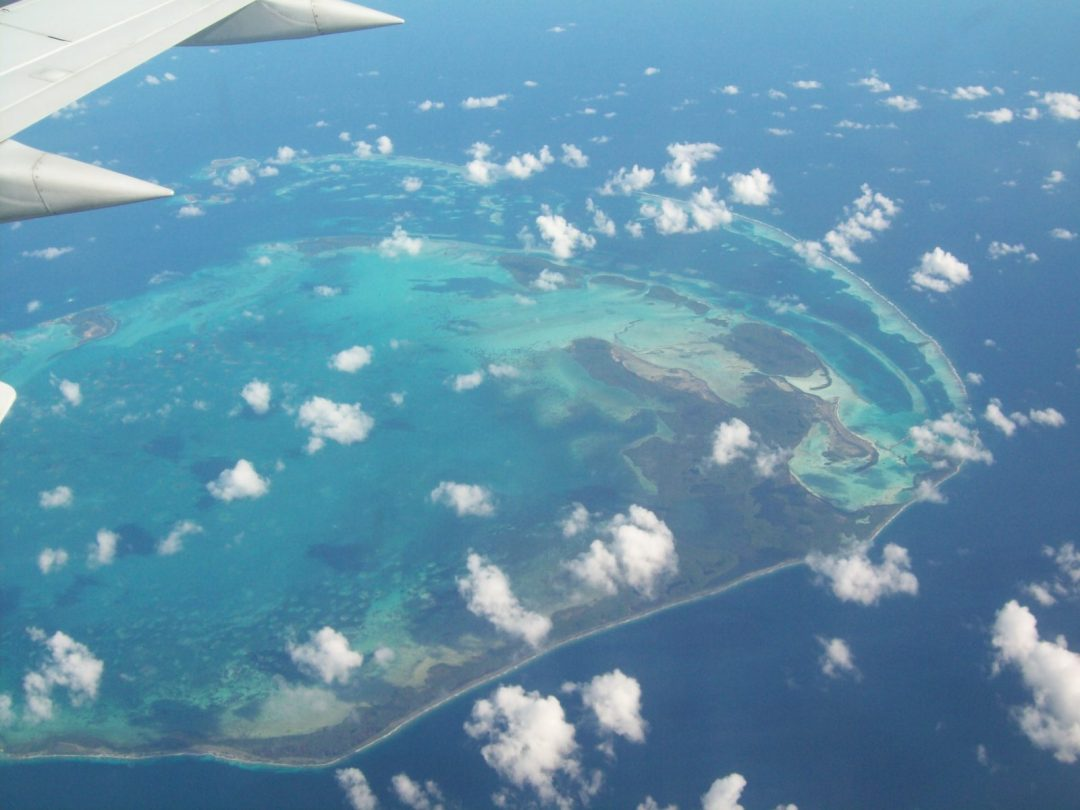 Why you should always get a windon seat - Flying from Suriname to Aruba, Caribbean