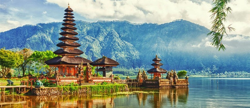 Traveling to Indonesia? 15 Quick Facts!