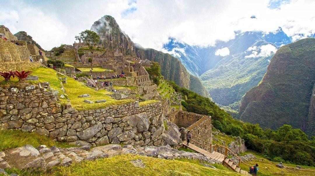 visit Incan ruins in Peru - Machu Picchu