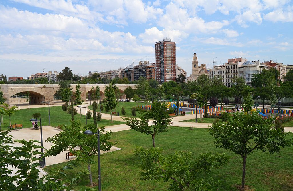 Traveling to Valencia? Check out Turia Park