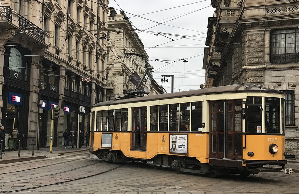 How to travel around Milan, Itlay