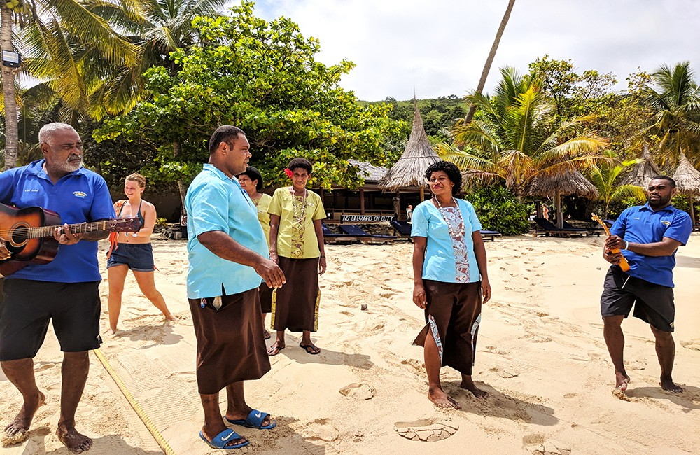 Things to know before traveling to Fiji - Singing