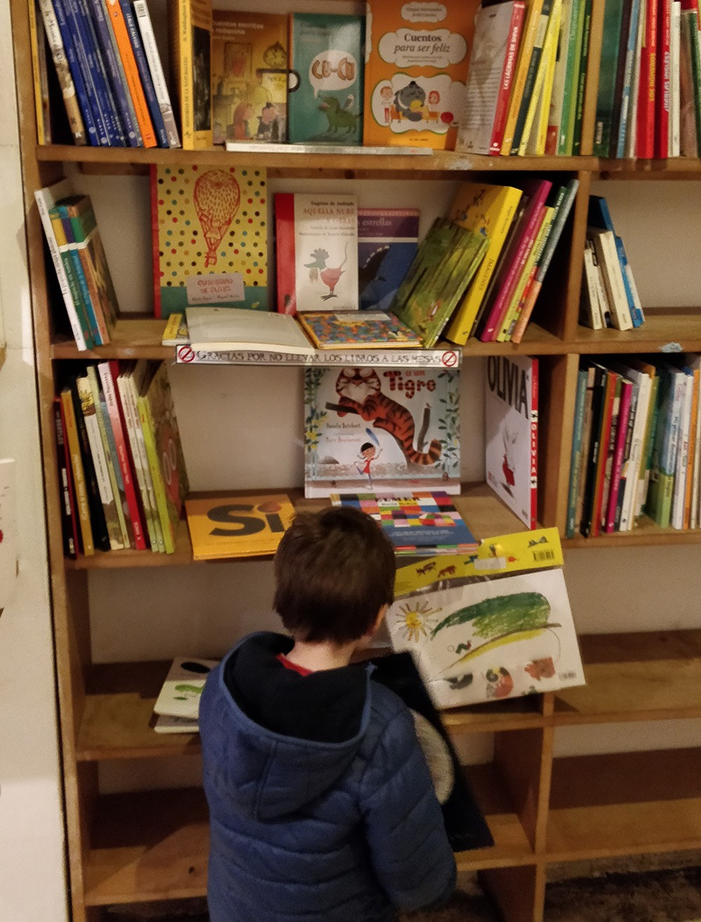 What to do in Valencia with kids: visit Ubik cafe & library