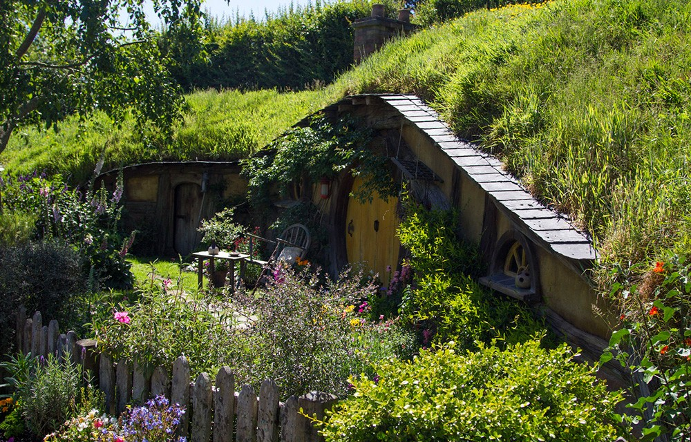 Things to know before going to New Zealand: Book a Hobbiton evening tour early