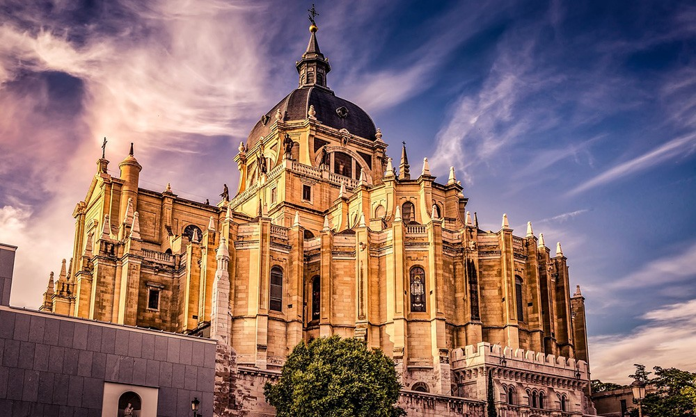 What to see and do in Madrid: visit a cathedral
