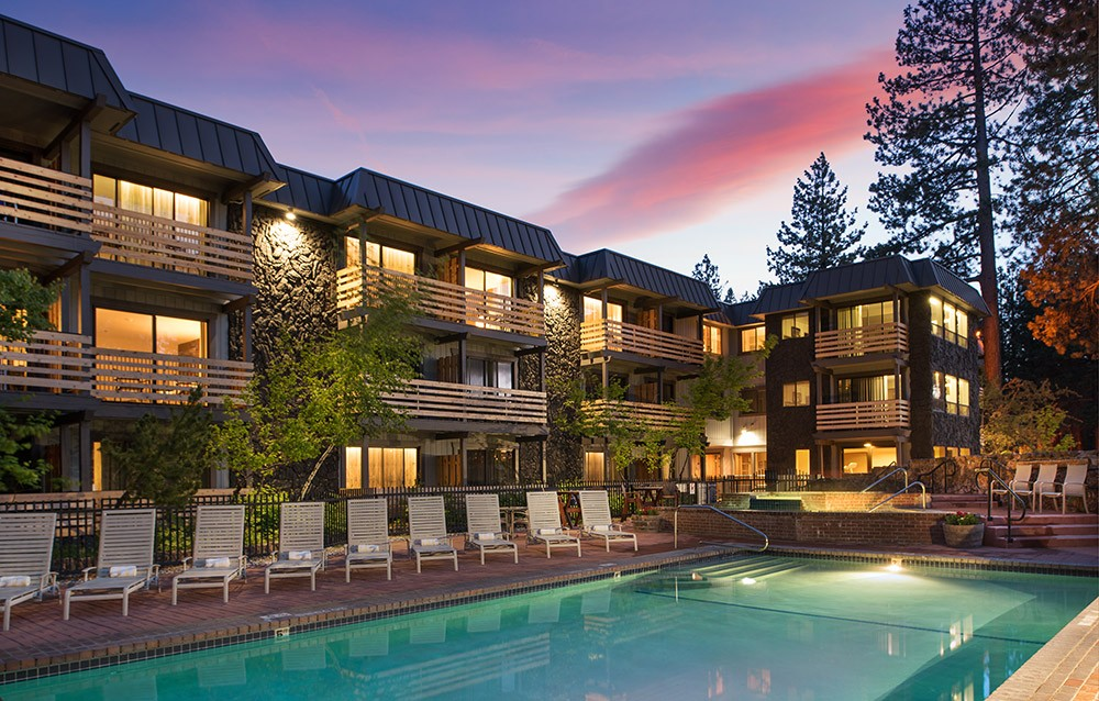 Where to stay in South Lake Tahoe: Hotel Azure