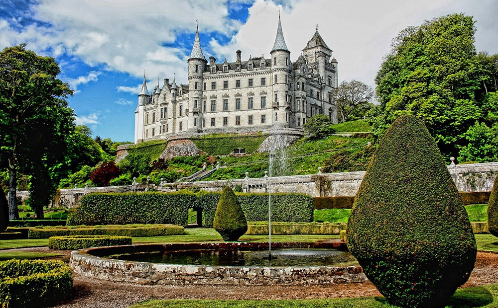 Day 2 of the 8-day North Coast 500 itinerary in Scotland - Dunrobin Castle