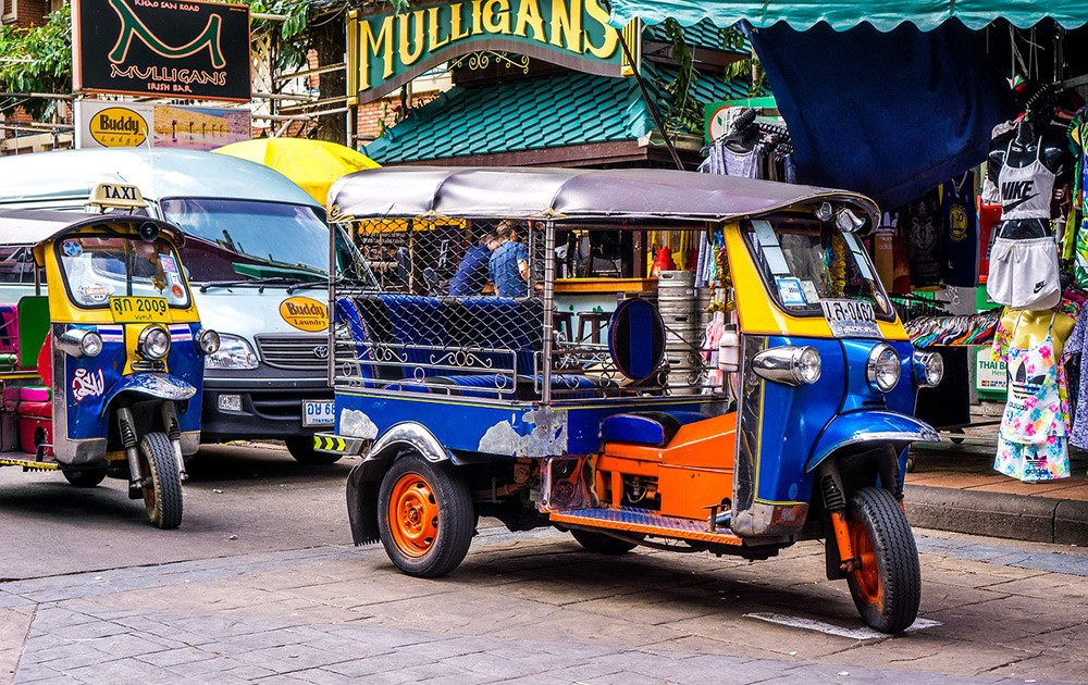 Things to know about traveling around Thailand as a woman - Tourist scams